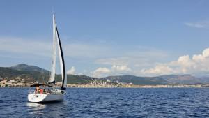 Nautisme à la voile en baie d'Ajaccio, Corse-du-Sud, France